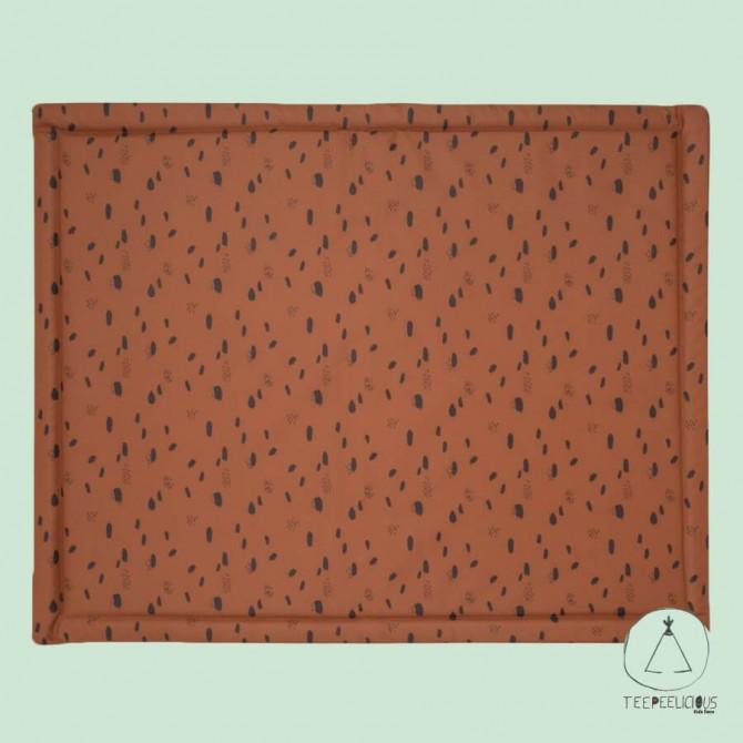 Playpen deck caramel spots